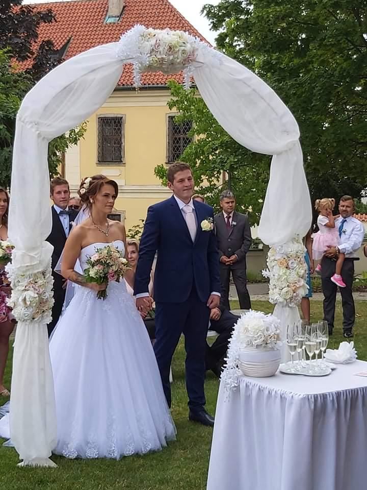 Svatební šaty 36/38+ kruhová spodnice, závoj - Obrázek č. 1