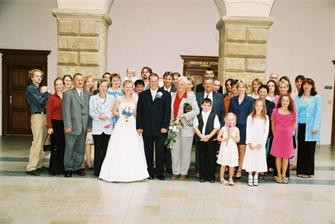 všichni svatebčani