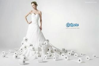Svatebním šatům se meze nekladou, hlavně, když nevěsta bude mít své vysněné šaty :D
