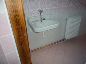 umývadlo pamatuje ještě našu stařku a proto jsem si ho chtěla zachovat