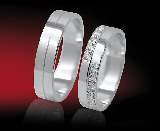 Naše prstýnky, ale v kombinaci bílé zlato s růžovým...