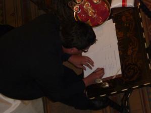 ... a i svědek podepsal ...