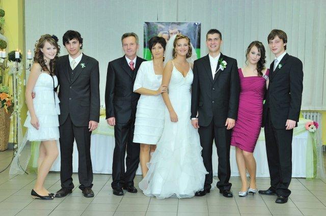 """Elena Macková{{_AND_}}Peter Magura - S mojimi rodičmi, sestrami a """"švagrami"""""""