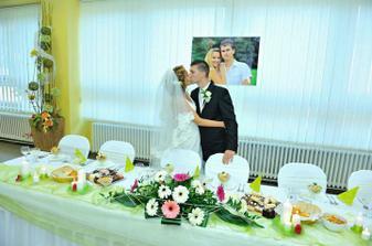 Novomanželská pusa