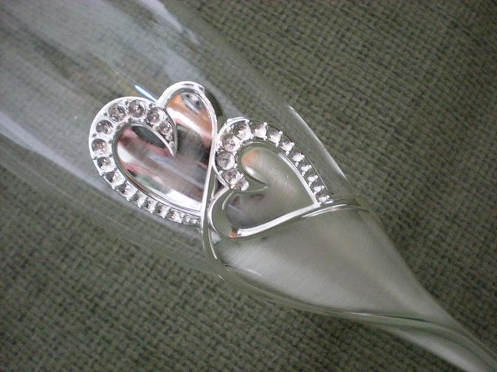 Katka a Maroš - prípravy - Detail srdiečok, stopka je kovová.