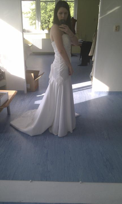 Šaty z ebayu....dosť mimo fotky :( - Prerábka...