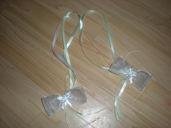Katka a Maroš - prípravy - Mašličky na zviazanie našich svadobných pohárov :-)