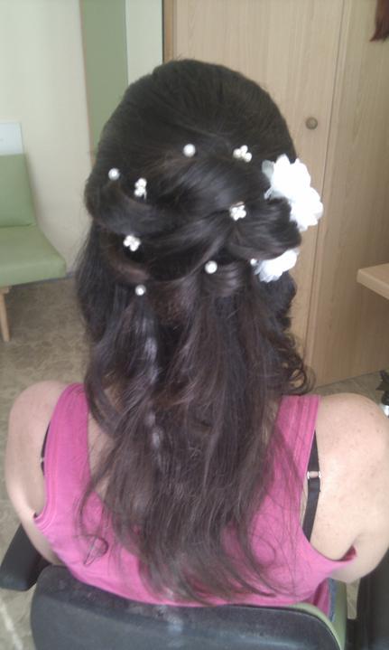 Katka a Maroš - prípravy - skúška účesu...všetky vlasy budú natočené tak ako na druhej foto