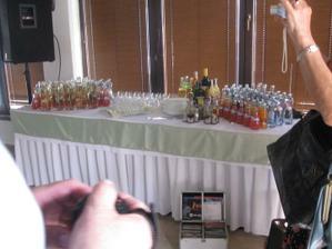 nápojový stôl