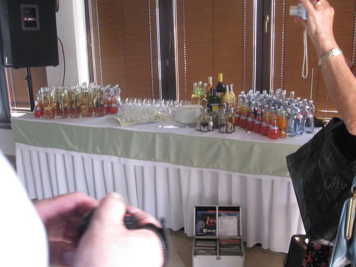 Katka{{_AND_}}Marián - nápojový stôl