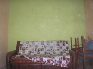 Budoucí ložnice-nejzachovalejší  místnost(strop ze sádroše,ale nezateplený,takže dodělat...)