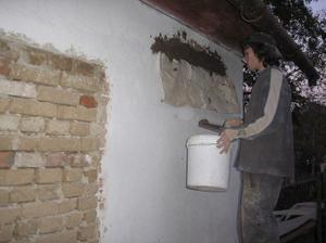 Mareček dělá překlad na budoucí francouzské okno do obýváku s kuchyní :-)