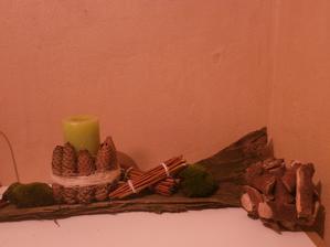 1.pokus o přírodní dekorační kouli (ze štěpek)