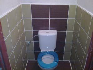 Konečně wc-prkýnko je provizorní-vůbec se nehodí