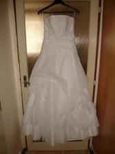 šaty na ramínku