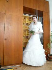 šaty s kytí
