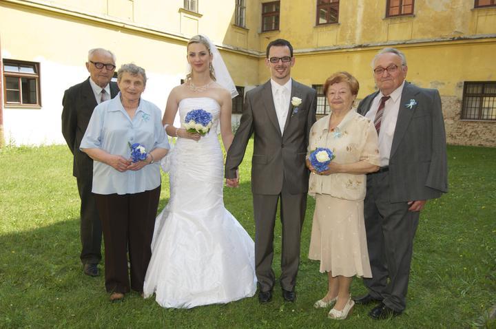Peťulka{{_AND_}}Karel - ..babičky a dědečkové..jak moji tak manželovi prarodiče jsou spolu už přes 50 let..