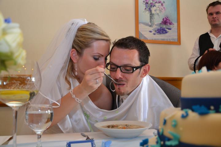 Peťulka{{_AND_}}Karel - ..jsme sehraný tým..nejdřív trocha polívky pro ženicha..
