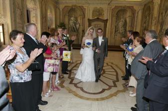 ..šťastní novomanželé..