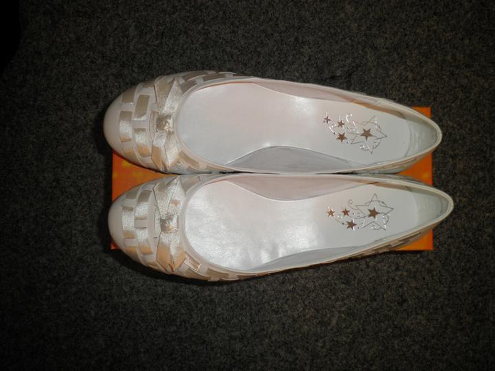 27.8.2011 - botičky - ..neodolala jsem a koupila si balerínky..