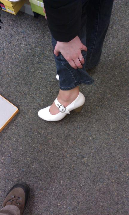 27.8.2011 - botičky - tyhle botičky jsem dneska objevila v jednom obchodě..