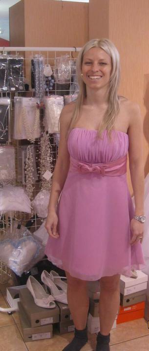 Zkouška šatů - Madora - ..skorošvagrová vyzkoušela taky nějaké šaty..
