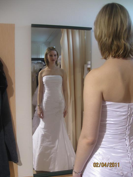 Zkouška šatů - Madora - model 1086..tyhle jsou ty pravé..v nich jsem to prostě já..
