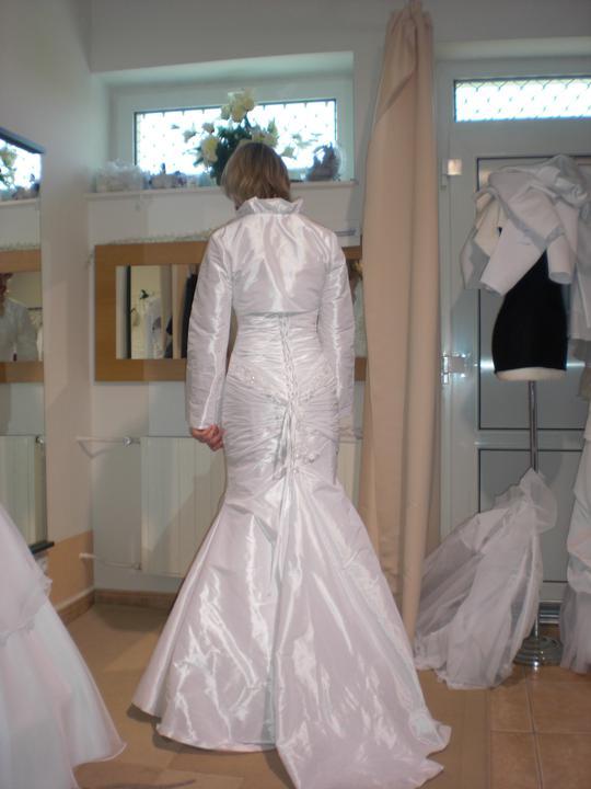 Zkouška šatů - Madora - tohle je mi velké..ale už se šije na míru..