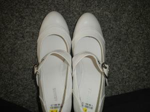 ..a udělala jsem dobře..pohodlné, jednoduché botičky které využiju určité i po svatbě..