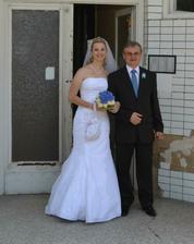 ..a jako poslední nevěsta s tatínkem..