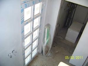 Vchodové dvere a WC