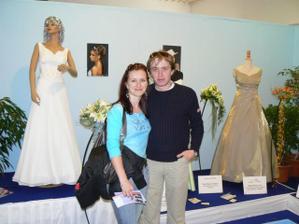 Flora Olomouc - ukázka svatebních šatů a květin