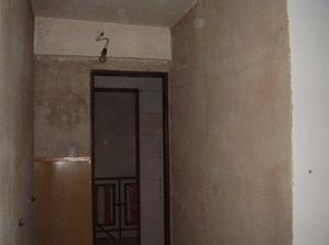 Bývalá dílna, příčka přijde zbourat, bude zde koupelna.