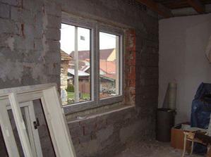 A zevnitř (stará fotka ještě s nenahozenou zdí)