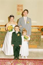 A ještě s družičkou a mládencem (neteř a synovec nevěsty)