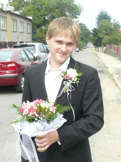 Simona Boušková{{_AND_}}Petr Štěpánek - můj milovaný ženich ráno před obřadem:)