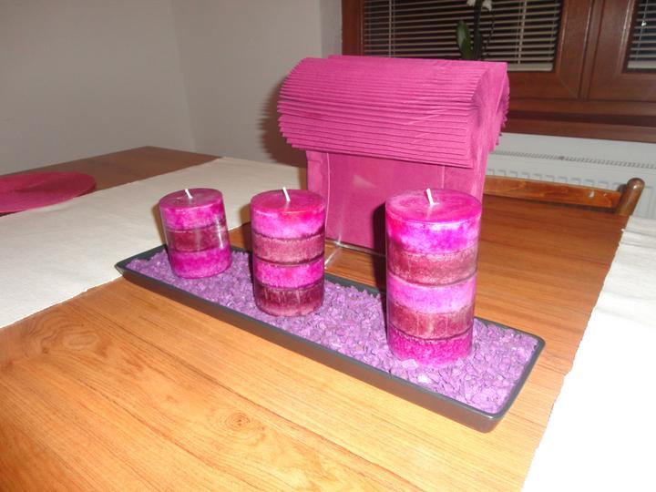 Náš domček - dekorácia na jedálenskom stole :)