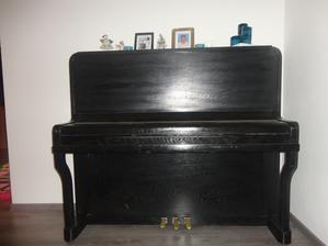 môj klavírik.. v obyvačke