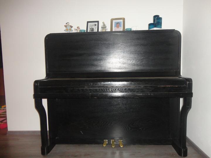 Náš domček - môj klavírik.. v obyvačke