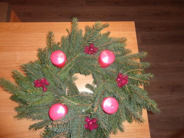 Vianoce u nás... +moje výtvory :) - adventný vencek!