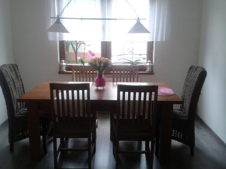 Náš domček - konečne nove stoličky