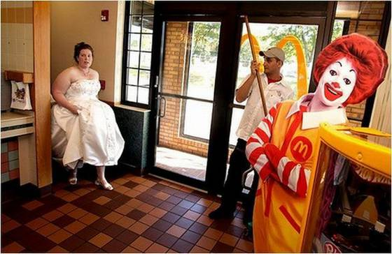 Some wedding pics to make you smile :) - Obrázok č. 18