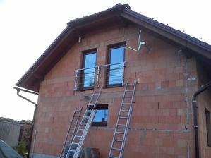 Nerezové zábradlí na francouzských oknech - domácí výroba