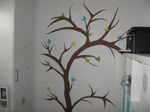 Konečně dokončený strom v pracovně