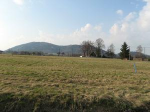 Náš pozemek (1074m2)