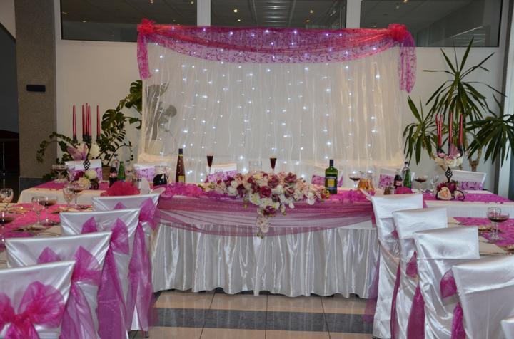 Prípravy na svadbu - svetelná stena