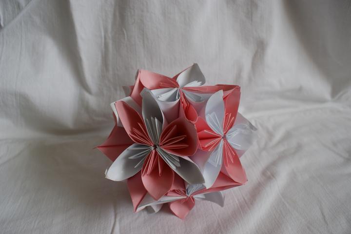 Prípravy na svadbu - vyrábam si to sama a bude nám pár veľký gúl vysieť hore zo steny nad tanečným parketom :)