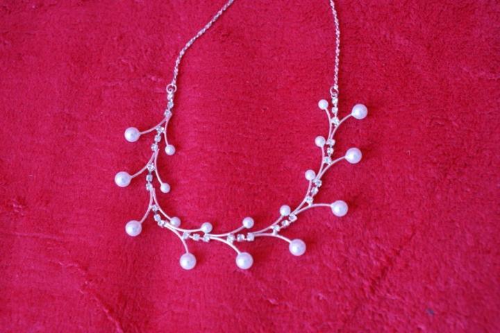 Prípravy na svadbu - náhrdelník od môjho drahého ako darček z Viedne :)
