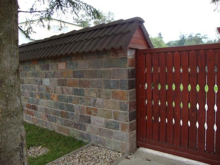 obklady a dlažby z prírodného kameňa (nie betonové a sadrové imitacie) - Bridlica Rusty 30x15x1 cm