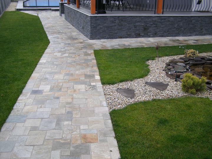 obklady a dlažby z prírodného kameňa (nie betonové a sadrové imitacie) - šedožltý kvarcit,velká mozaika 0,36m2/kus